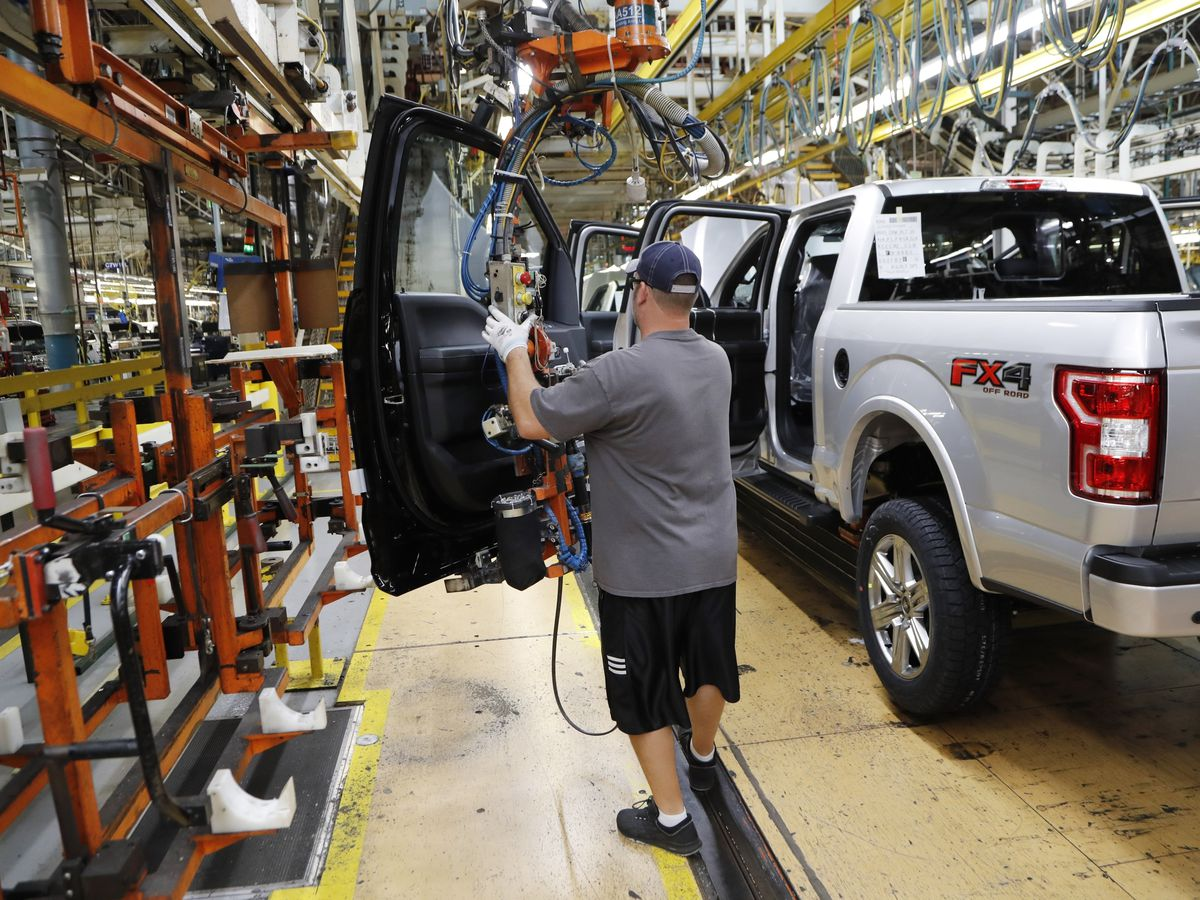 US industrial production climbed 0.6 percent in November