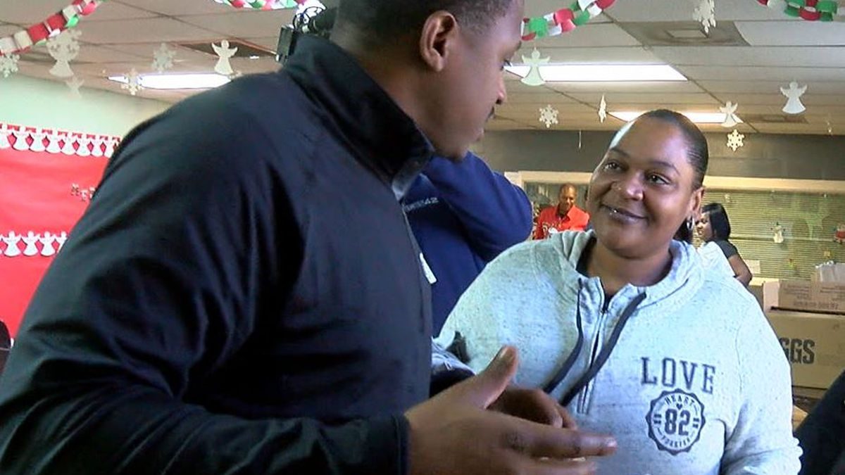 Birmingham Iron teammates helping community ahead of Christmas