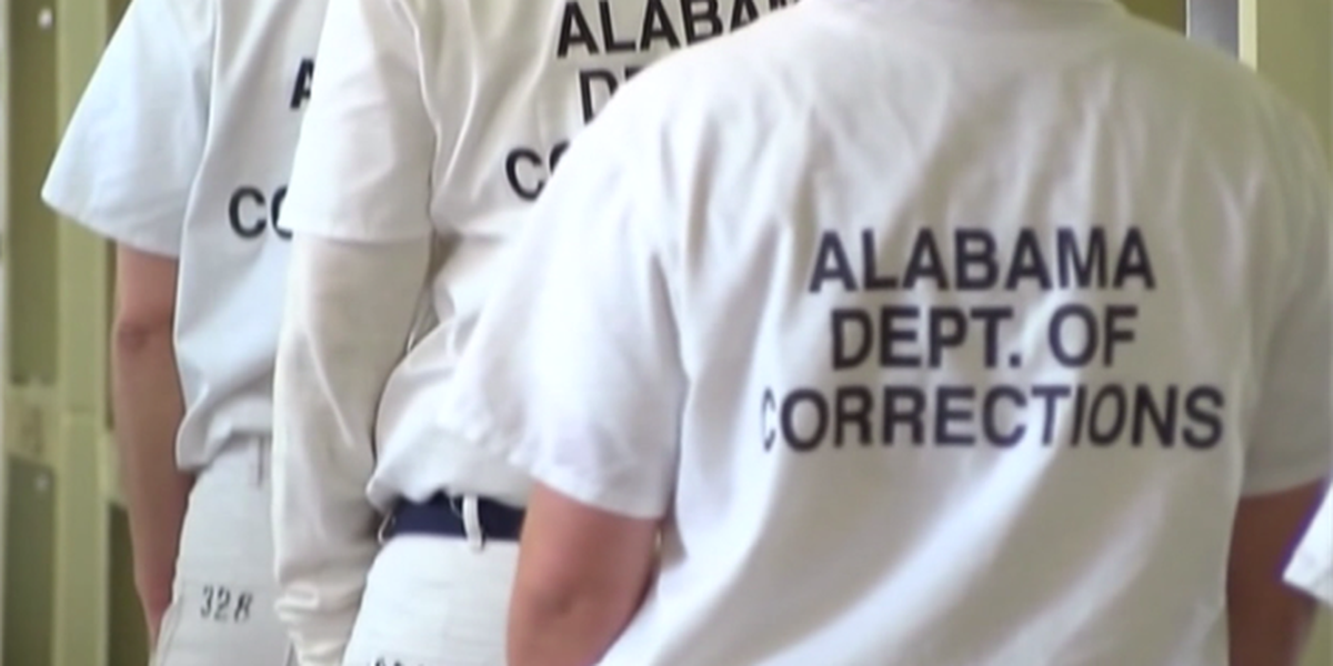 Thousands of felons register to vote ahead of Alabama Senate election