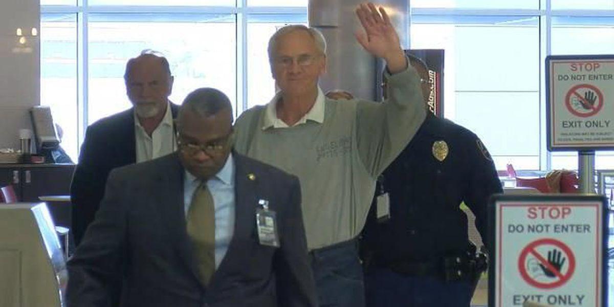 Former AL Gov. Don Siegelman arrives in Birmingham after being released from prison
