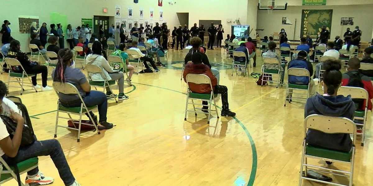 Birmingham middle school holds rally to build relationship between students, police