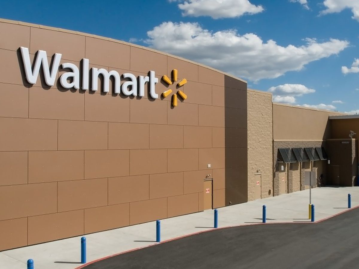 Walmart to begin taking employees' temperatures, provide masks and gloves in light of COVID-19