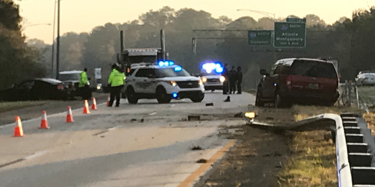 Birmingham police officer hit while working wreck Friday morning