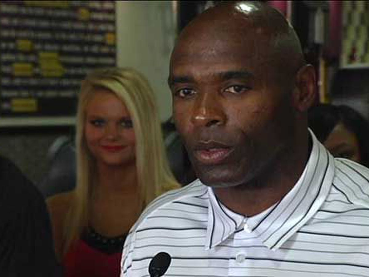 REPORT: Charlie Strong headed to UA as analyst