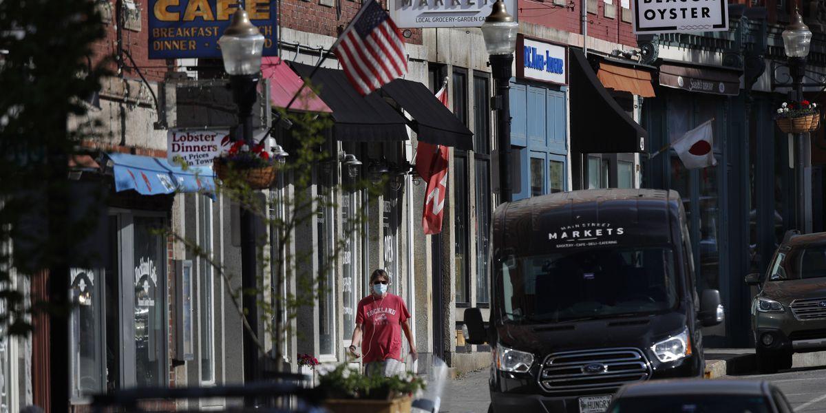 Trump takes aim at WHO as US economic outlooks worsens