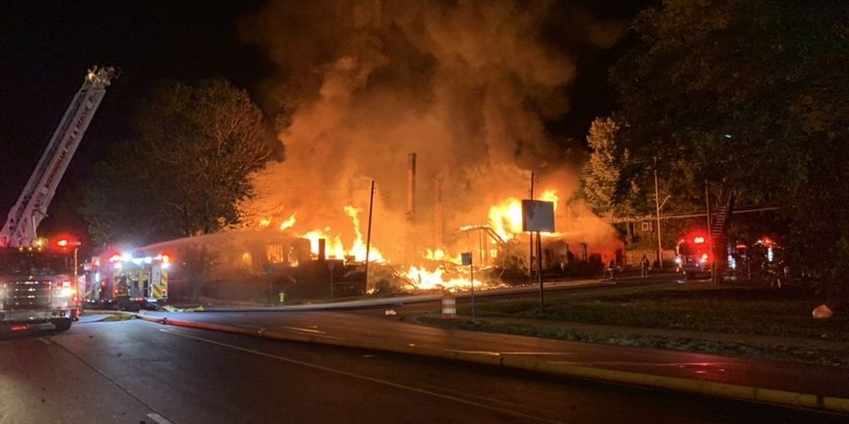 3 houses destroyed in big blaze in east Avondale Sunday night