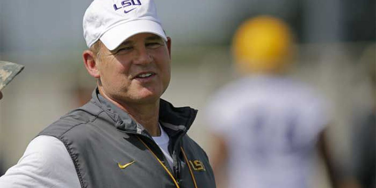 Les Miles' attorney issues statement; calls administrative leave 'disturbing and unfair'