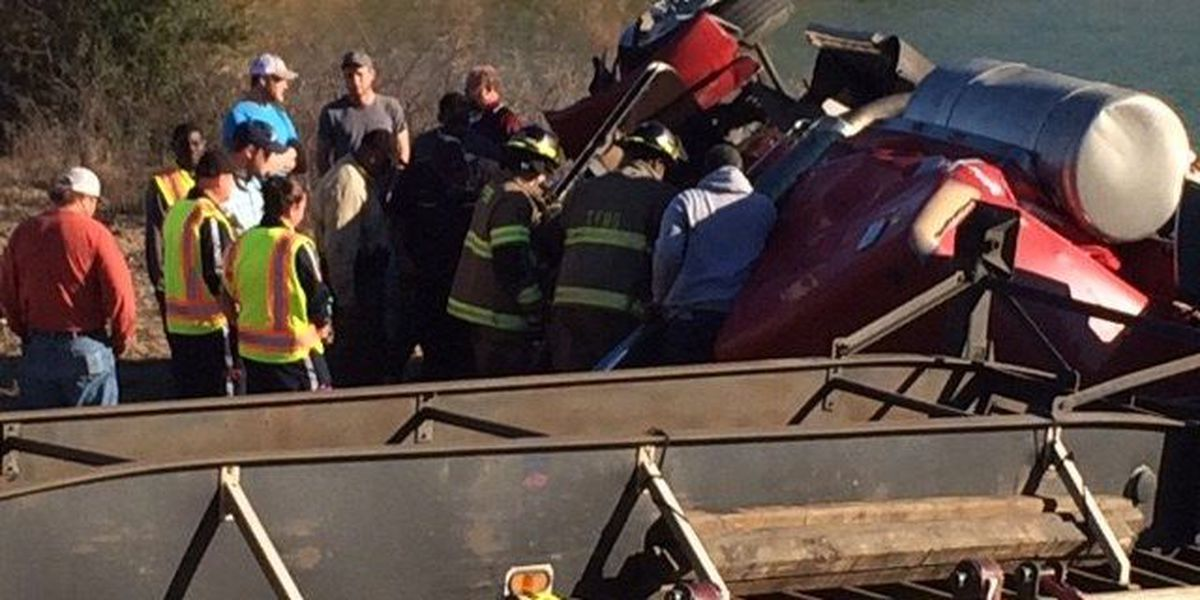 Two rescued after 2-car collision in Greene County