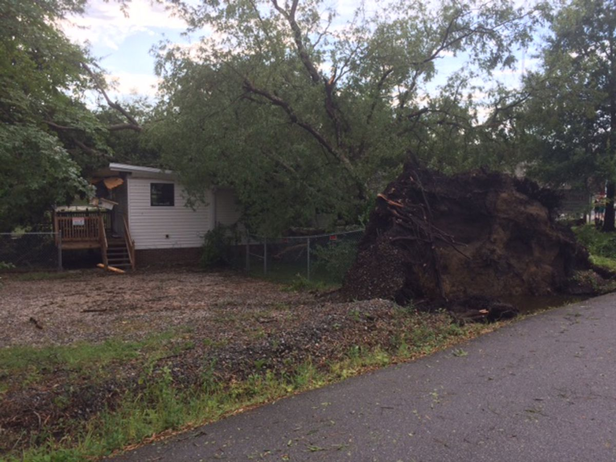 Thursday afternoon storms cause damage and power outages around the state