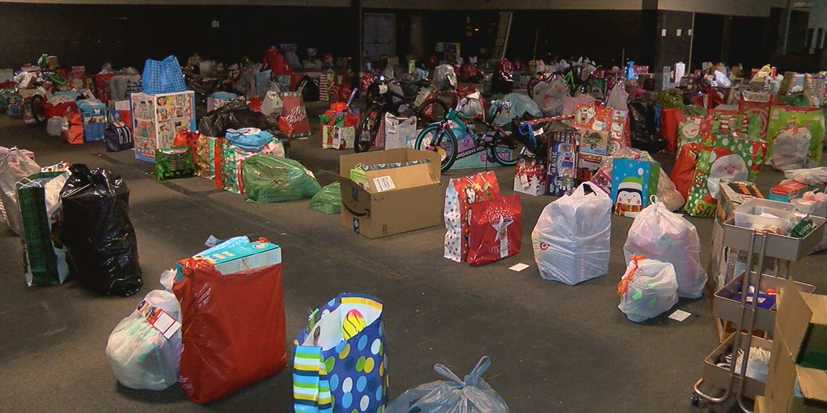 Tuscaloosa Salvation Army receives $5,300 check to help replace stolen gifts