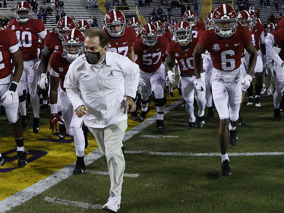Nick Saban wins 2020 Paul 'Bear' Bryant Coach of the Year Award