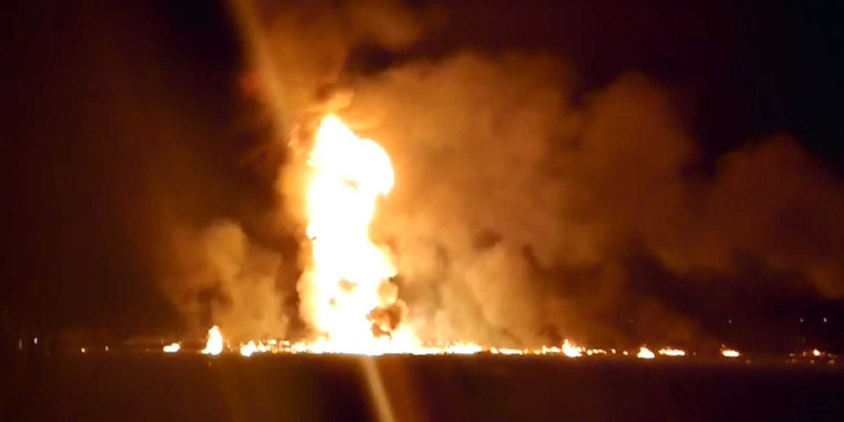 20 dead, 71 burned in fire at illegal tap on Mexico pipeline