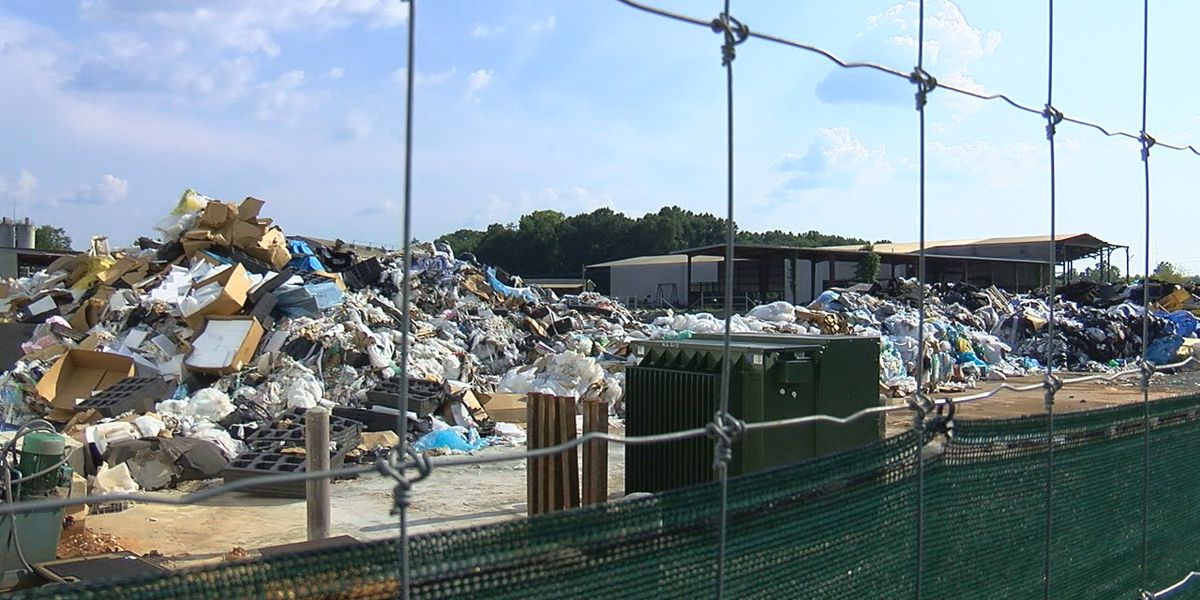Recycling center causing stink in Bibb County