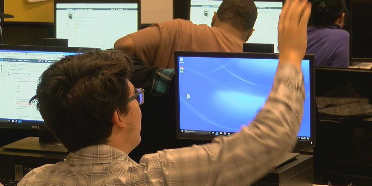 Nearly 2,000 tech jobs created in Alabama last year