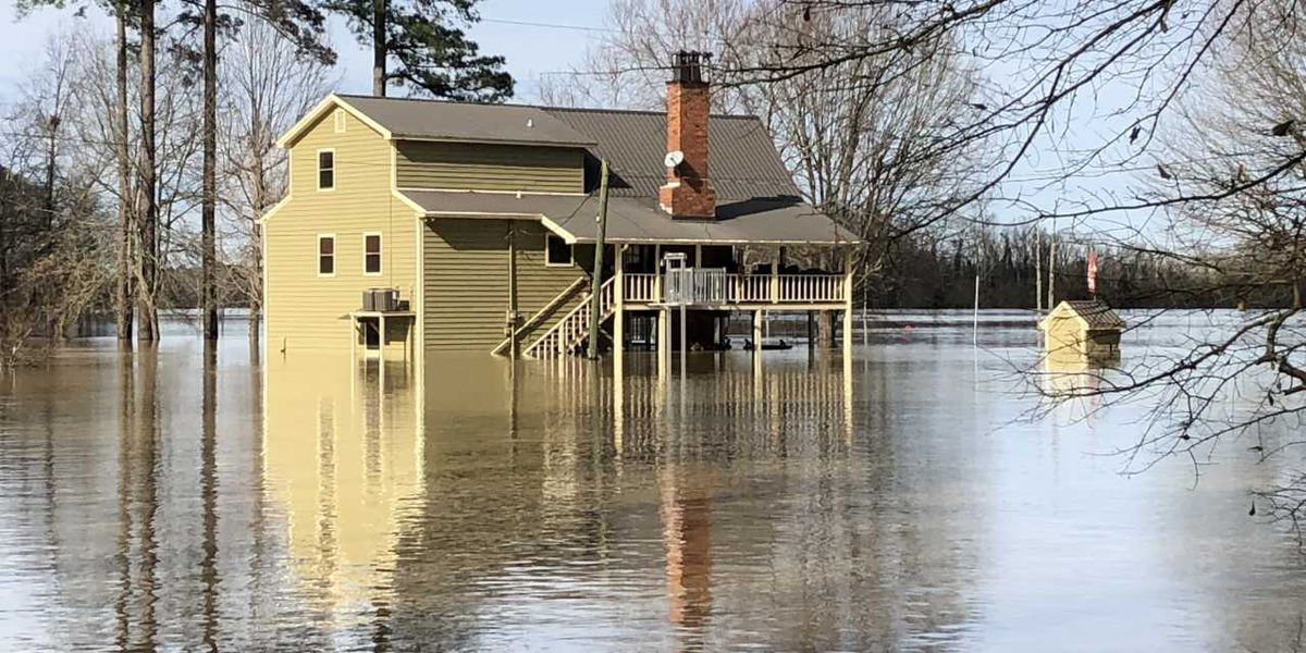 Flood waters still rising in Pickensville