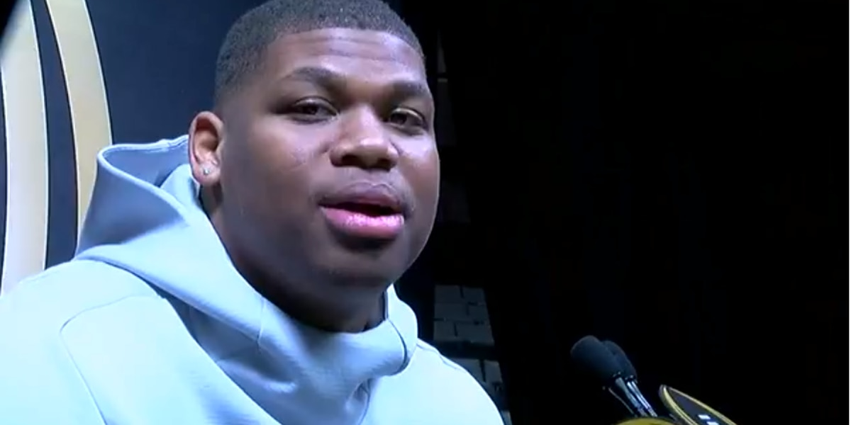 Alabama's Quinnen Williams makes plays on the field & in his hometown