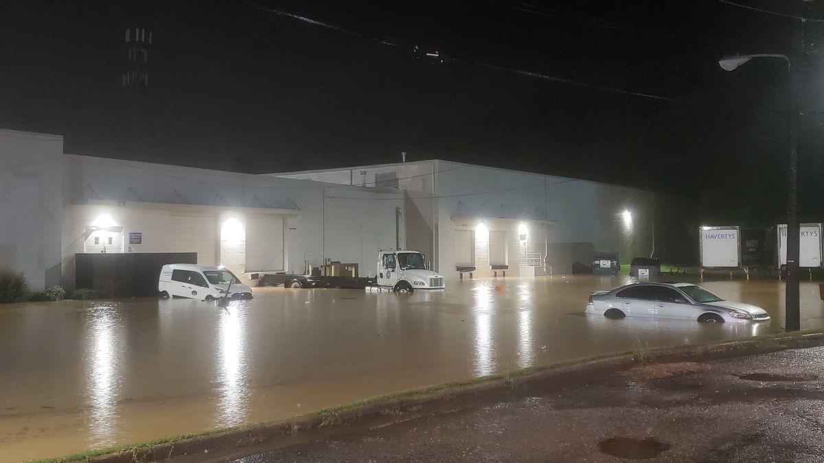 Tuscaloosa facing severe flooding on McFarland Blvd.