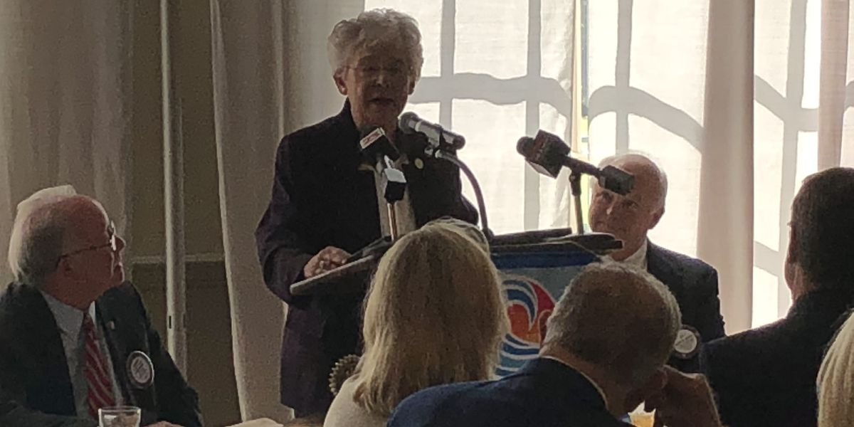 Governor Kay Ivey Speaks to Tuscaloosa Rotary Club