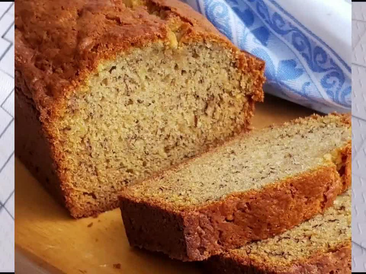 Grits & Gouda: One-Bowl Banana Bread