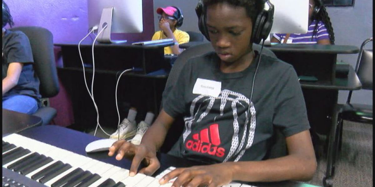 What's Right With Our Schools: Woodlawn music tech summer camp