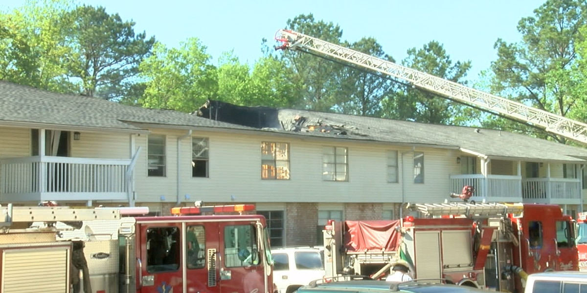 38 displaced in apartment fire off Valley Ave.