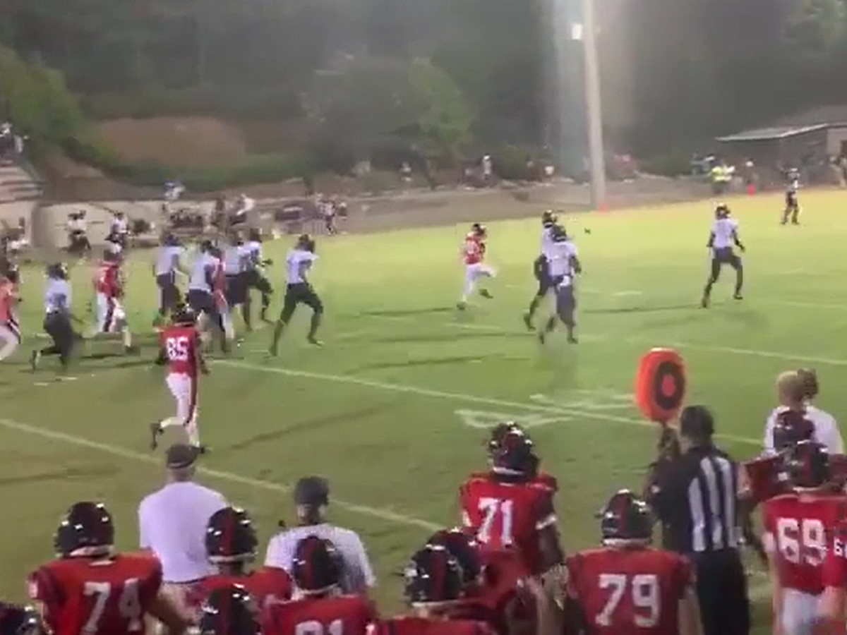 Alabama high school teams celebrate touchdown worth more than 6 points
