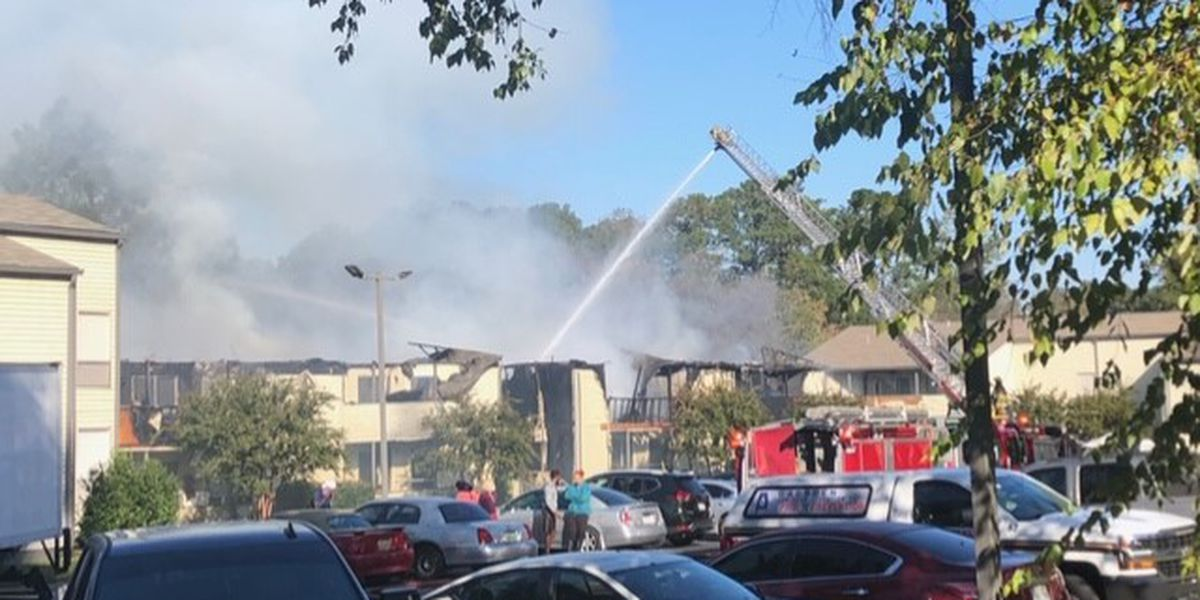 One injury reported in large fire at Gadsden apartment complex