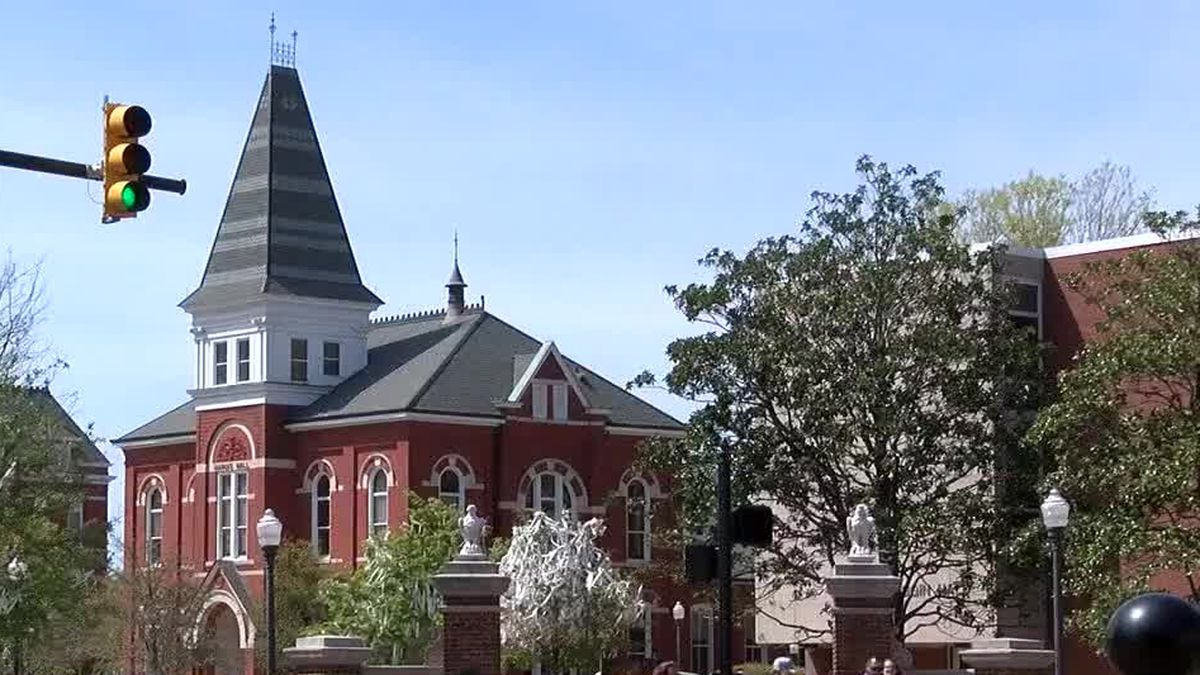 Auburn police investigating 2 unrelated reports of suspicious activity on AU's campus