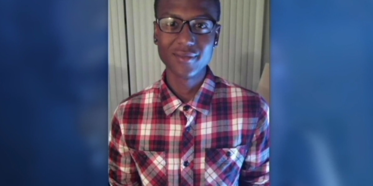 Officers put on leave over photos tied to Elijah McClain