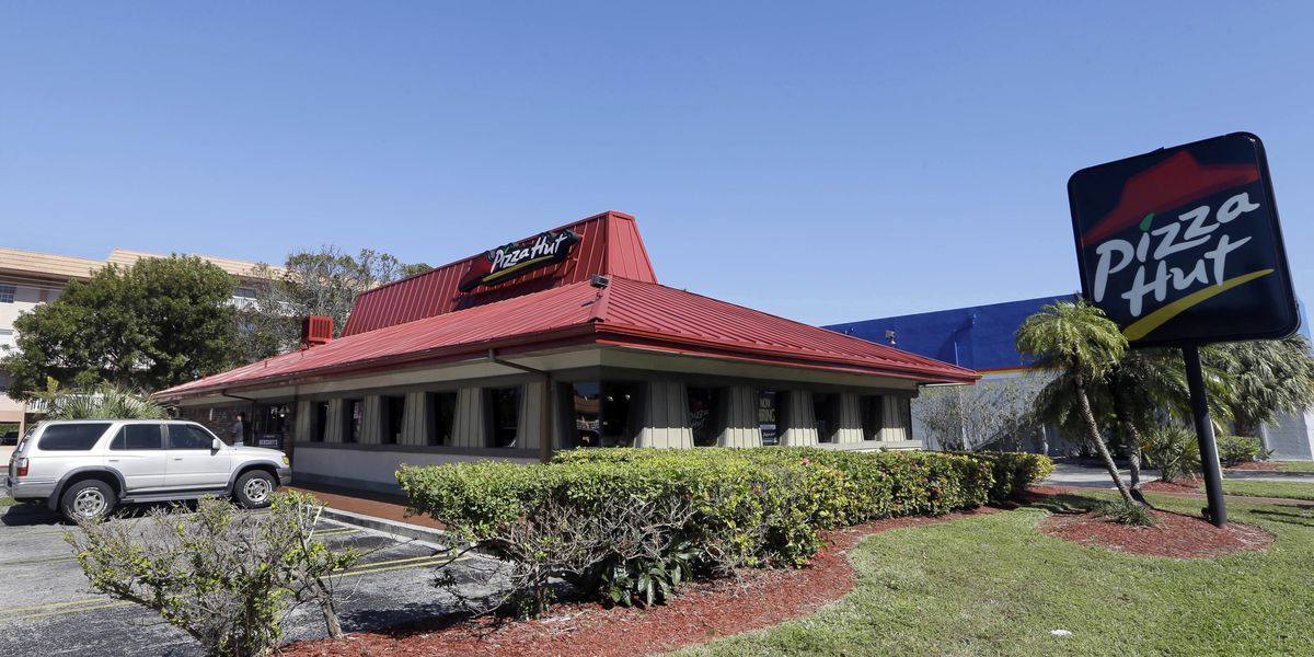 Reports: Pizza Hut will close hundreds of dine-in restaurants