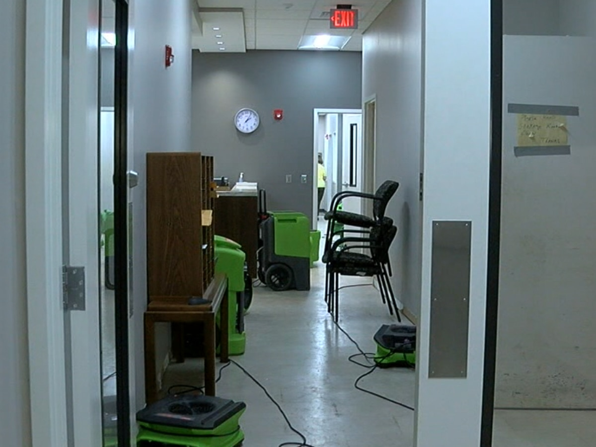 Leaking water tank floods Calhoun Co  Commission offices