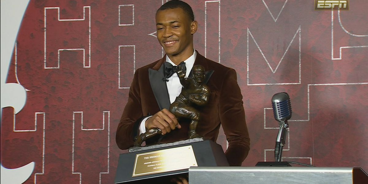 Alabama WR DeVonta Smith wins Biletnikoff Award, Walter Camp Player of the Year