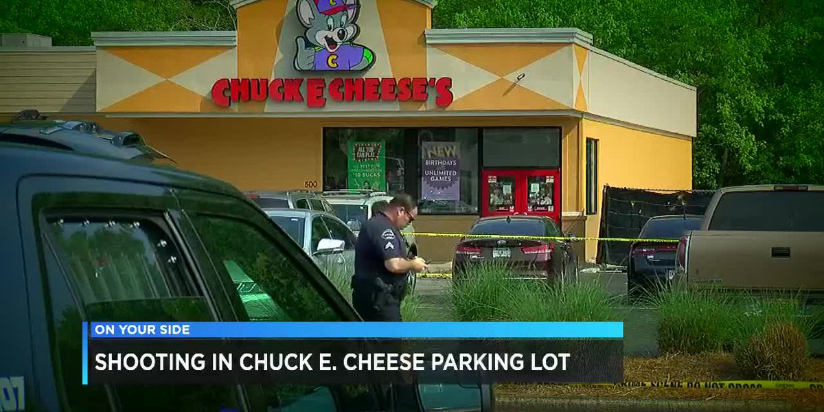 Shooting in Chuck E. Cheese's parking lot