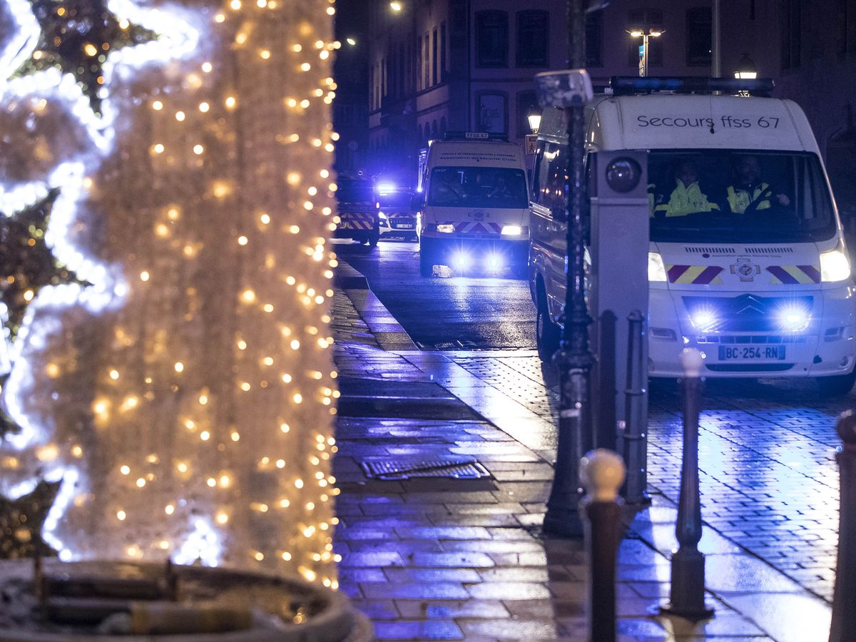 The Latest: 5 held as French police hunt Strasbourg attacker