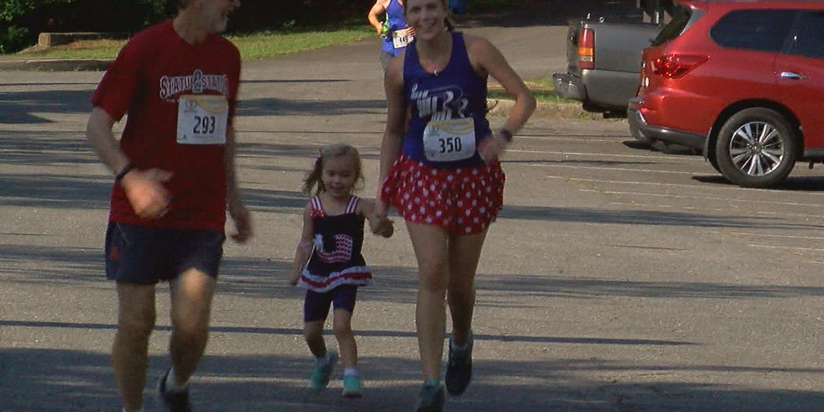 Hundreds lace up for 38th Annual Peavine Falls Run