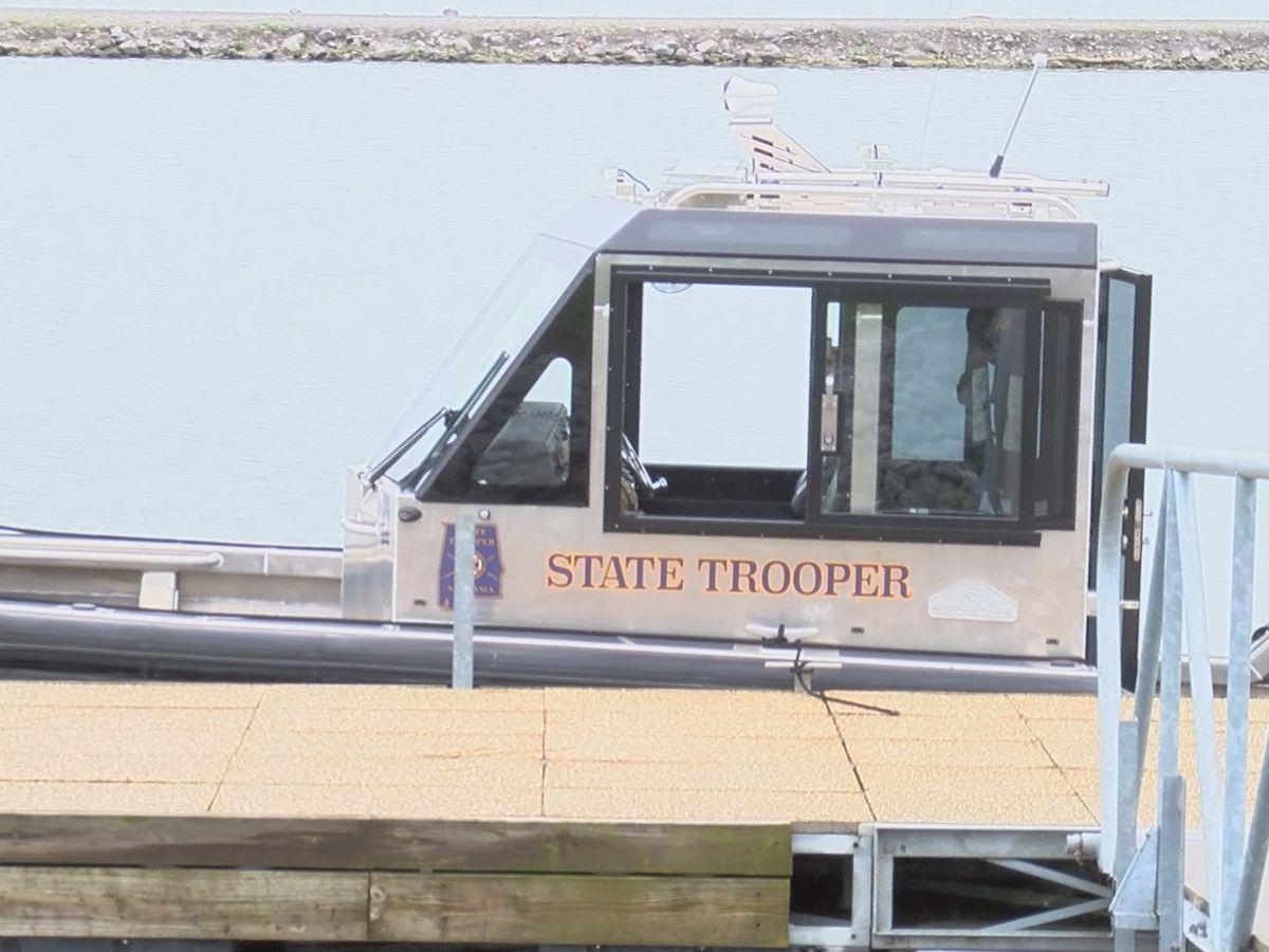1 dead after boat capsizes in Cobert Co.
