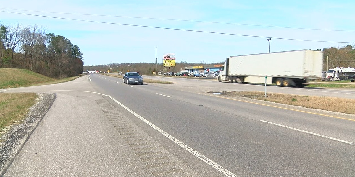 Etowah Co lawmaker says lack of bridge may affect whether he votes for gas tax