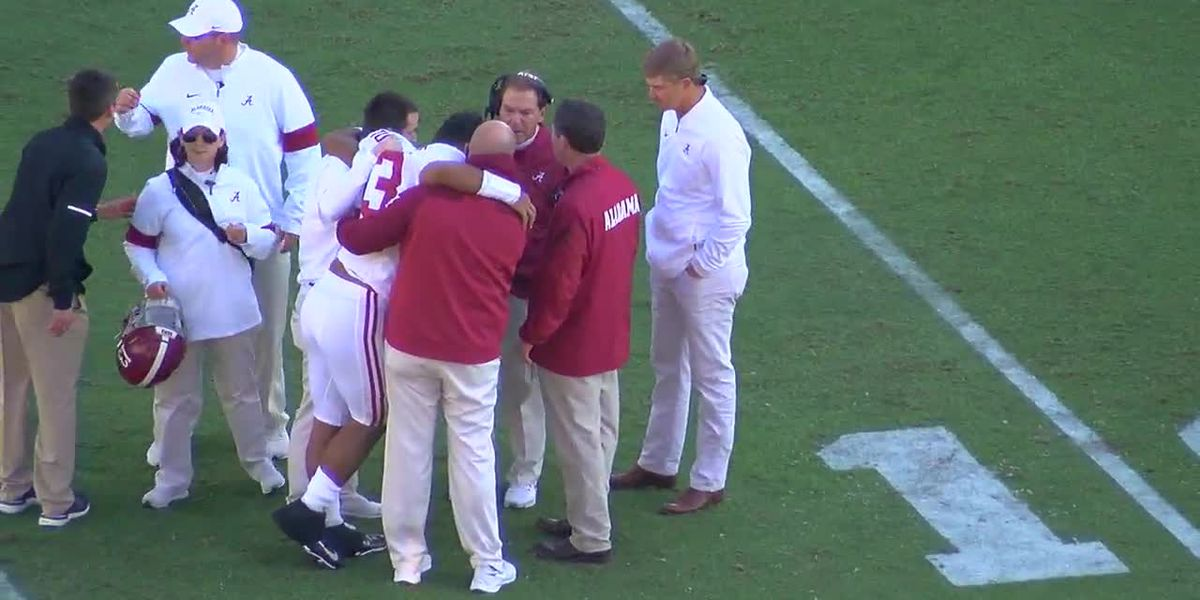 'Tua is not getting up': Eli Gold's call on Tua's injury during Saturday's game