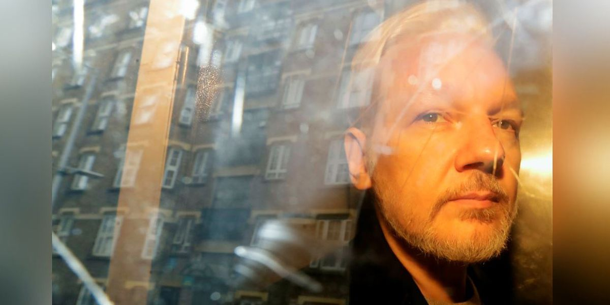 UK judge rejects bid to delay Assange extradition hearing