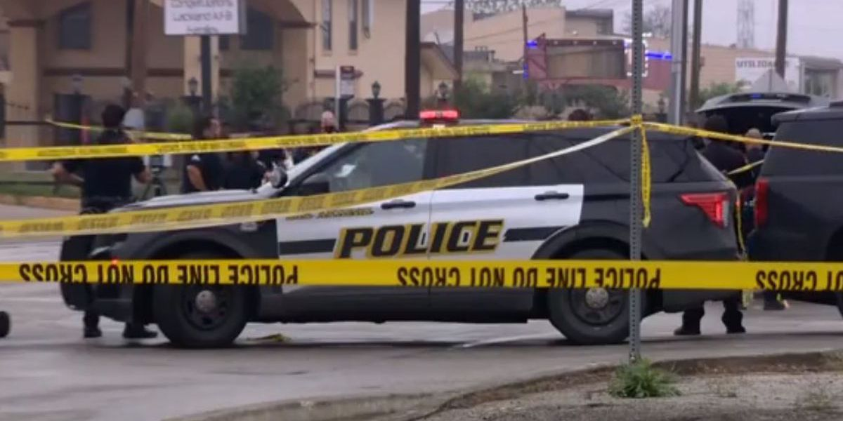 Shootout in San Antonio leaves 2 men dead, police officer injured