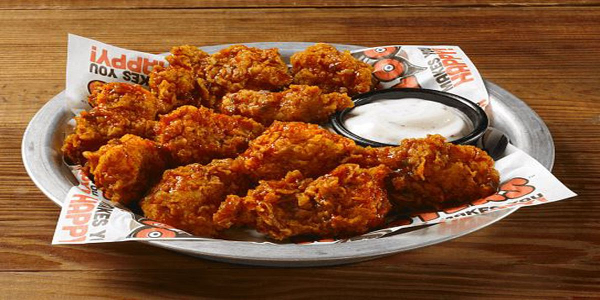 Hooters giving away free boneless wings to singles on Valentine's Day