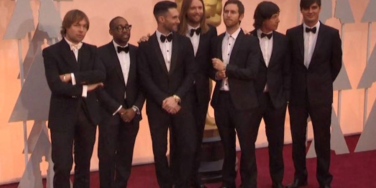 Maroon 5 might headline Super Bowl halftime show, and people are annoyed