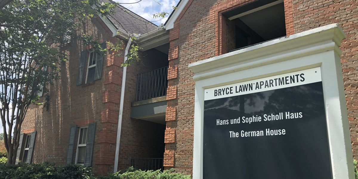 Two UA on-campus apartments will house COVID positive students