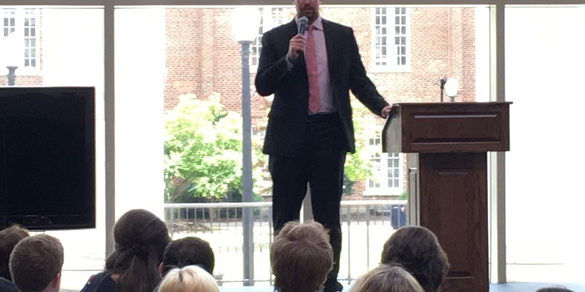 Former NFL QB shares story of mental health problems and drug abuse with students