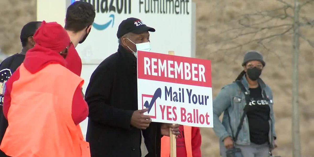 Actor Danny Glover supports unionization at Amazon in Bessemer