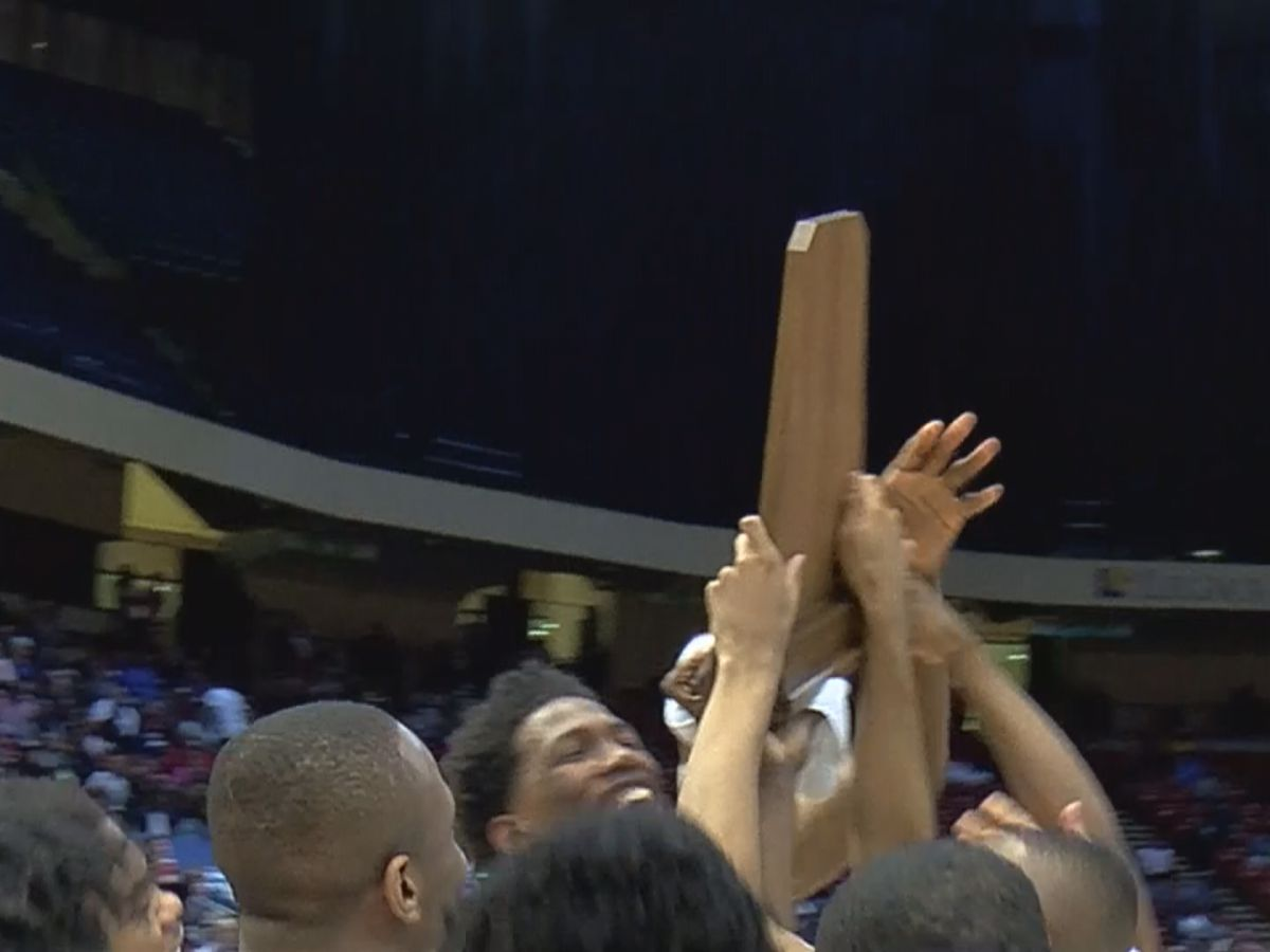 Wenonah tops Center Point 51-34 to win 5A state title