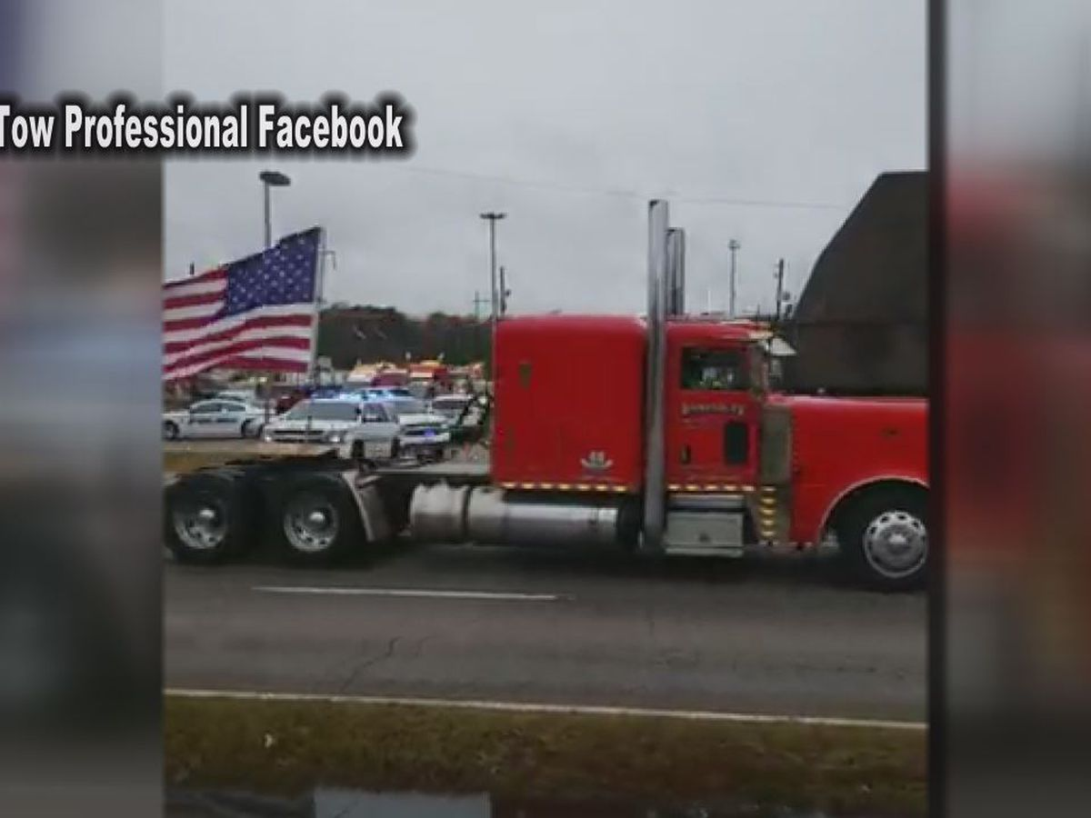 Tow truck drivers hold rally to raise awareness of 'Move Over' law