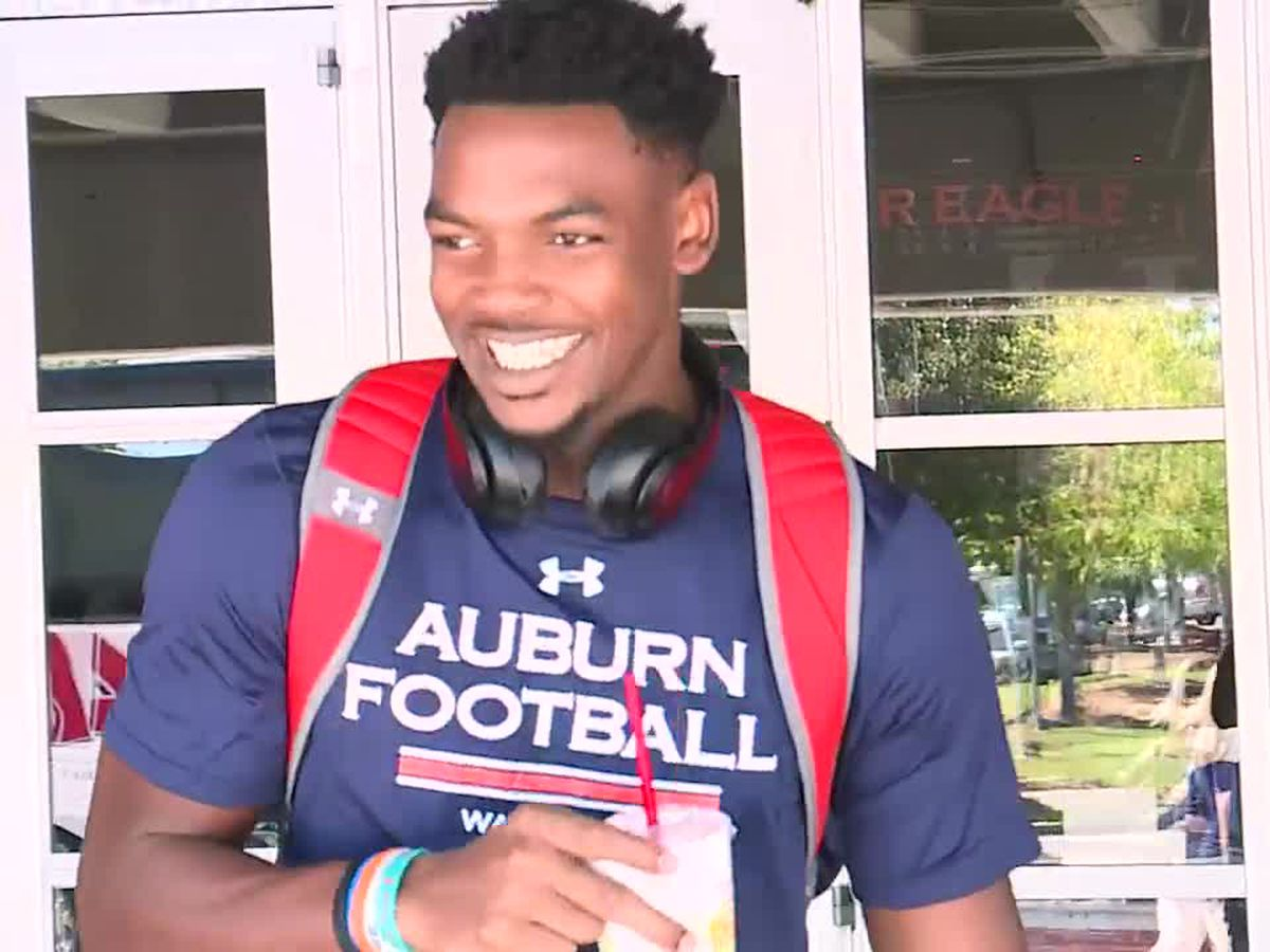 Auburn's Reverse Tiger Walk before A&M game