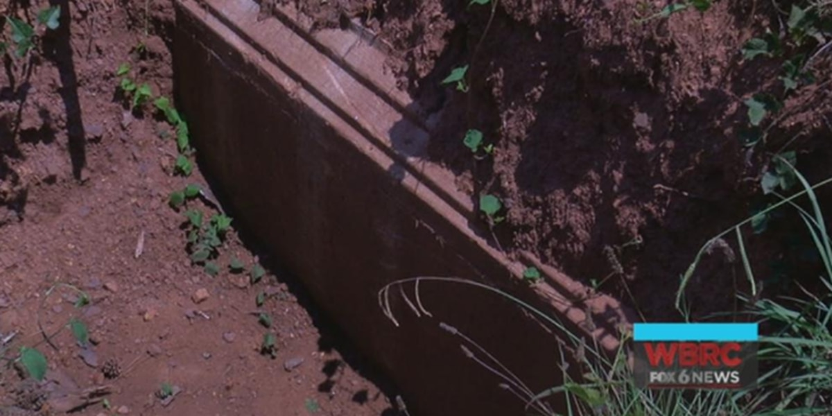 Owner of cemetery with open vault responds to complaints