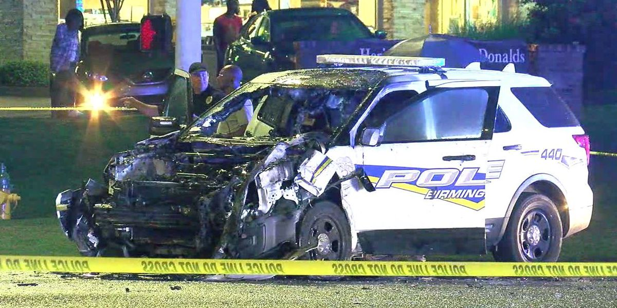 Birmingham police officers involved in wreck during pursuit of stolen car